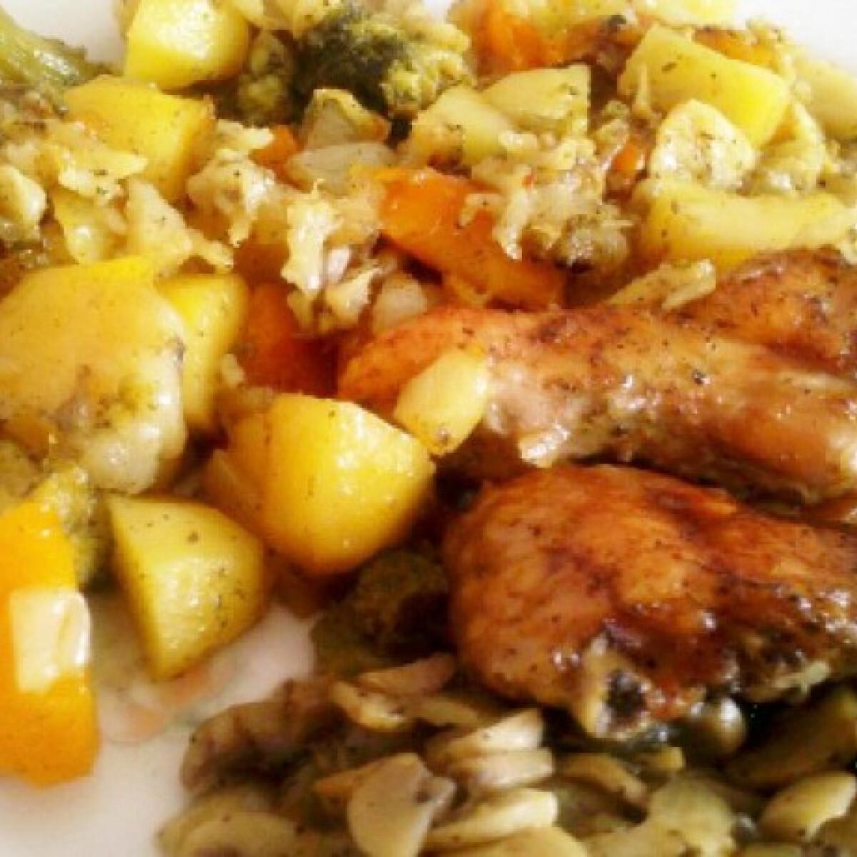 Ezen a képen: Fűszeres csirkeszárny vele sült zöldségekkel