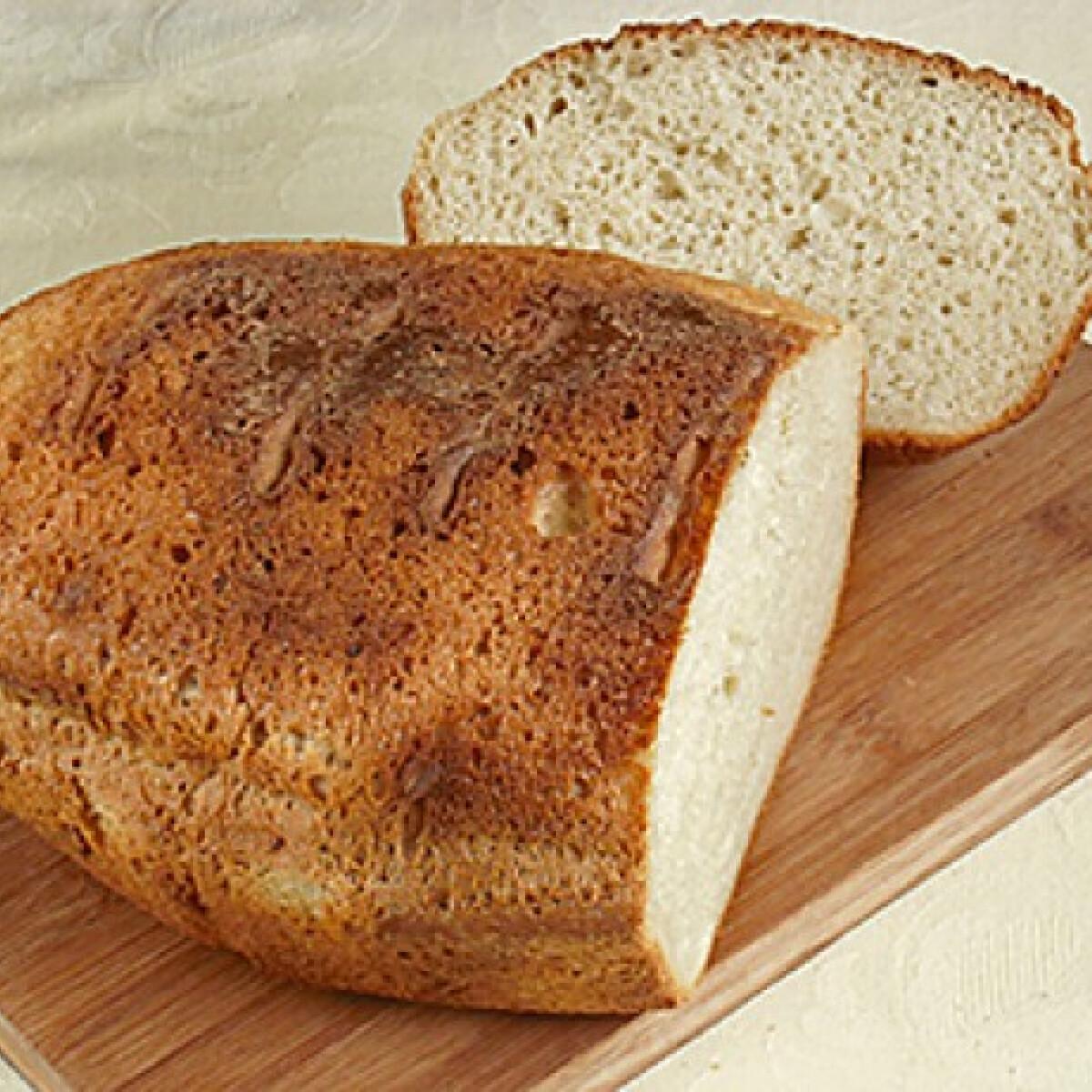 Ezen a képen: Verthajú krumplis kenyér
