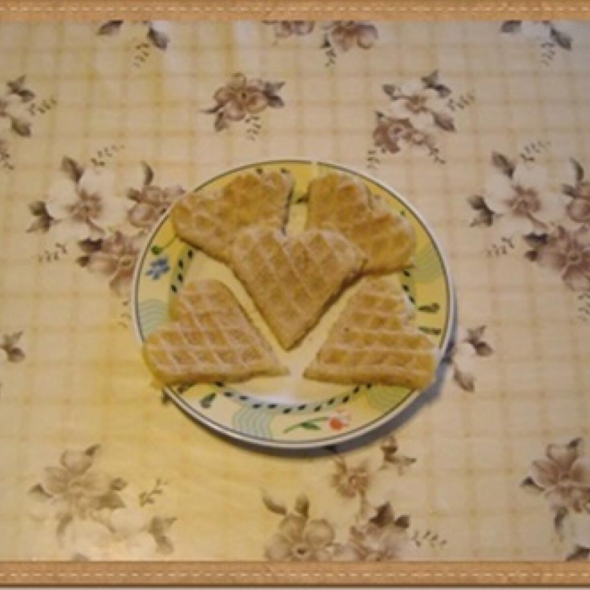 Ezen a képen: Almás gofri Nikóka konyhájából