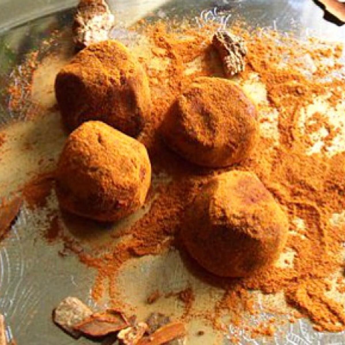 Ezen a képen: Trüffel golyó Kakukkfű konyhájából