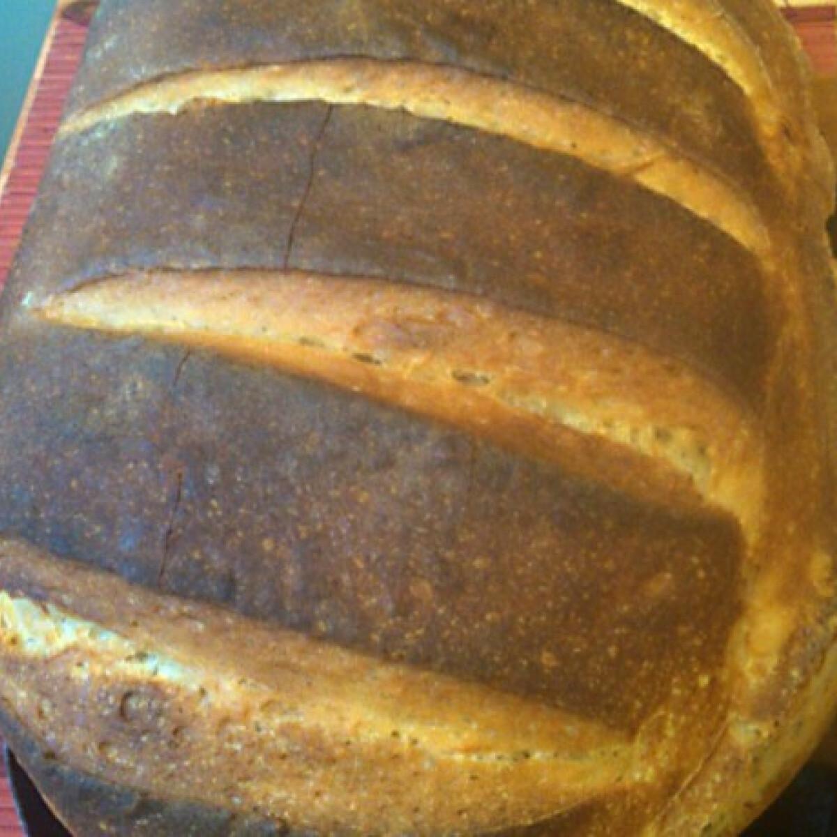 Ezen a képen: Kovászos kenyér Ágickája konyhájából