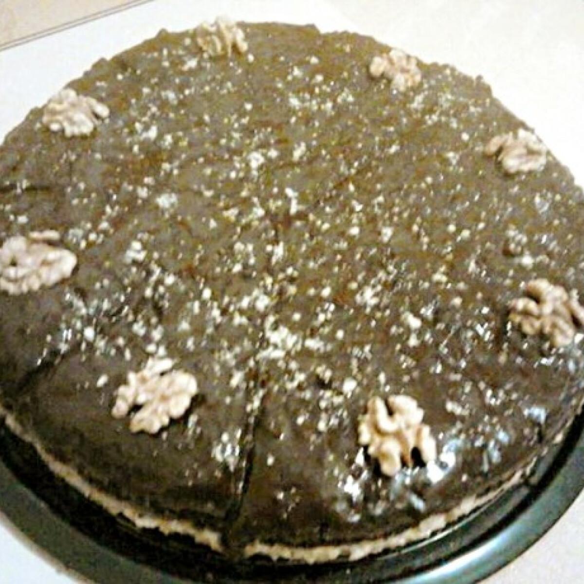 Ezen a képen: Házi diókrémes torta