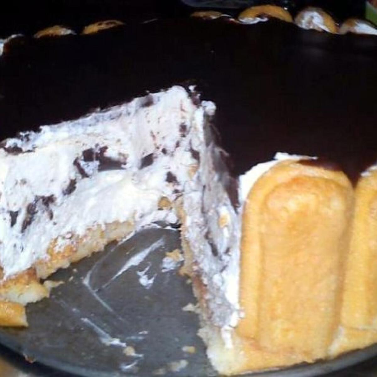Ezen a képen: Kinder pingui torta DuCsi konyhájából