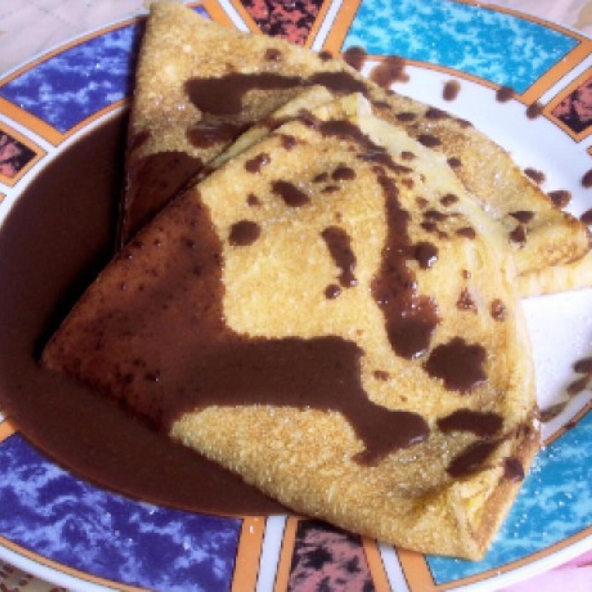 Ezen a képen: Madártejkrémes palacsinta csokiöntettel