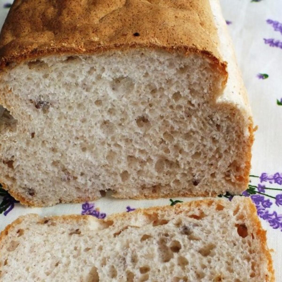 Ezen a képen: Gluténmentes rostban gazdag kenyér