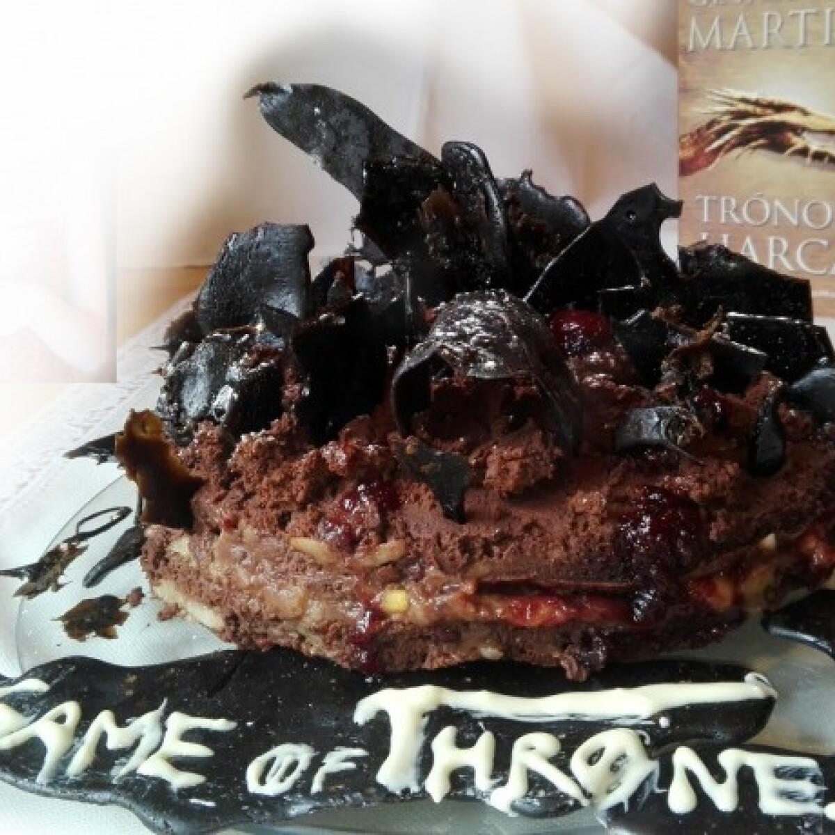 Ezen a képen: Trónok harca torta Süti MáMohrtól