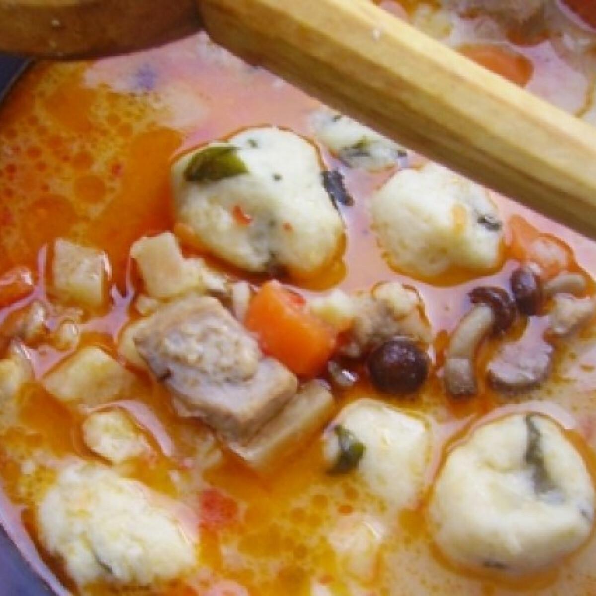Ezen a képen: Burgonyagombóc-leves