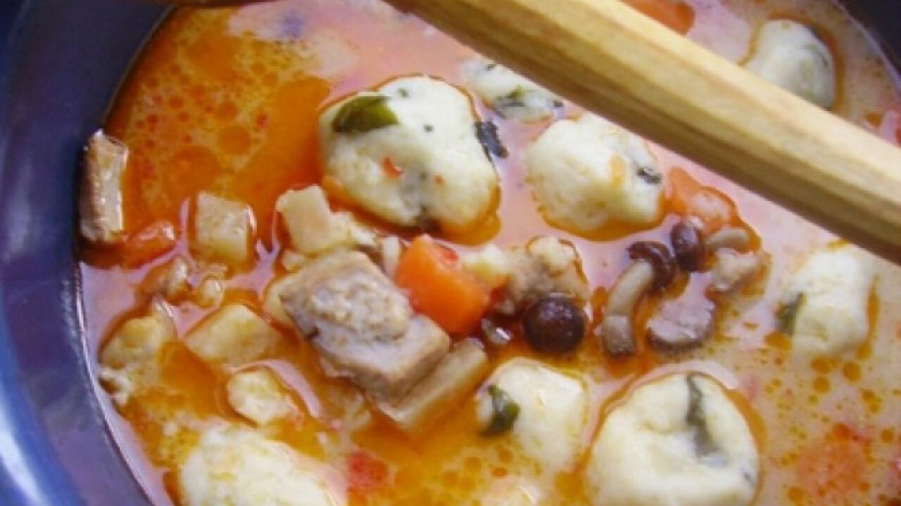 Burgonyagombóc-leves