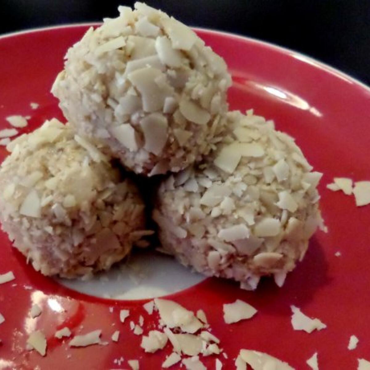 Ezen a képen: Körtés-juharszirupos desszertgolyók