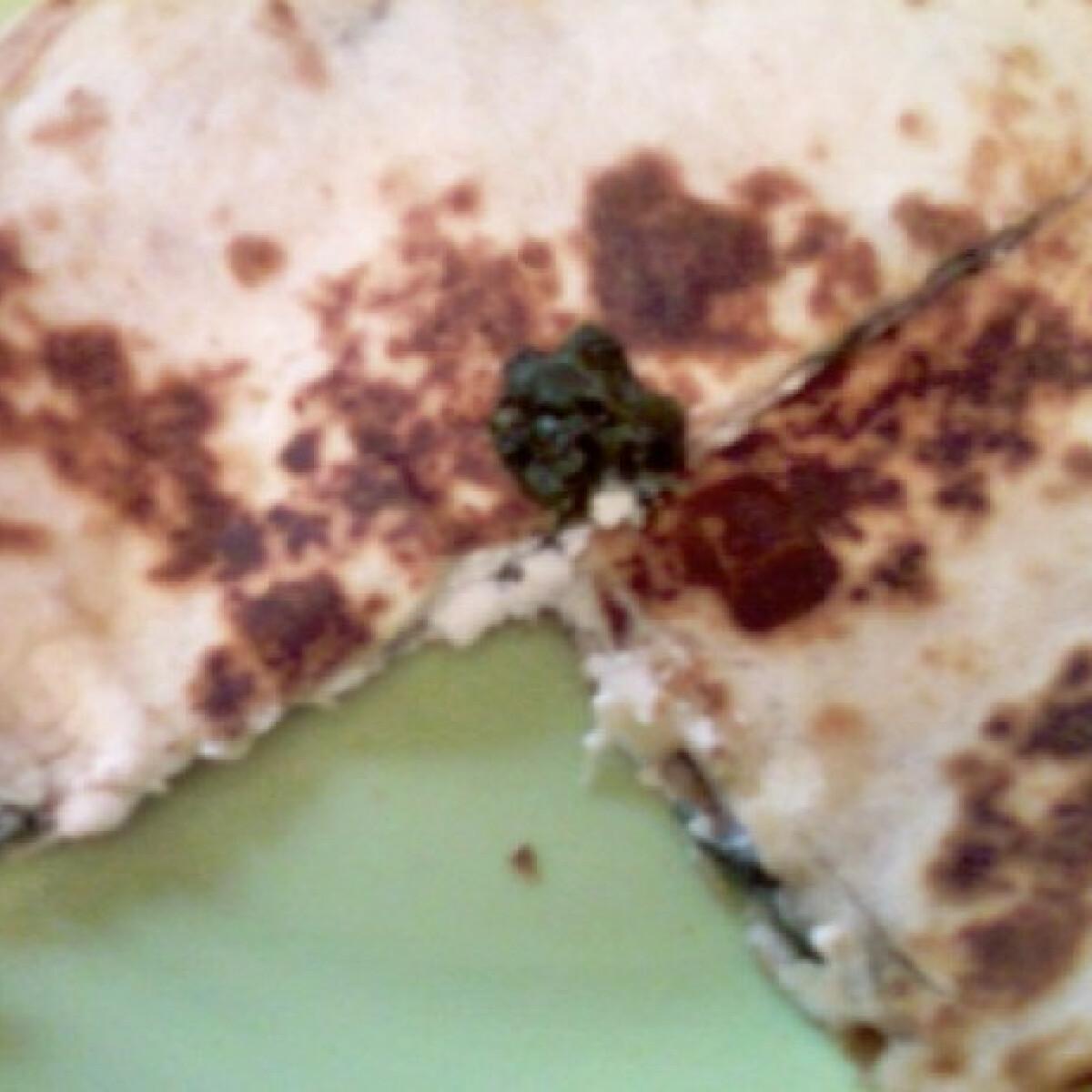 Spenótos-kecskesajtos quesadilla