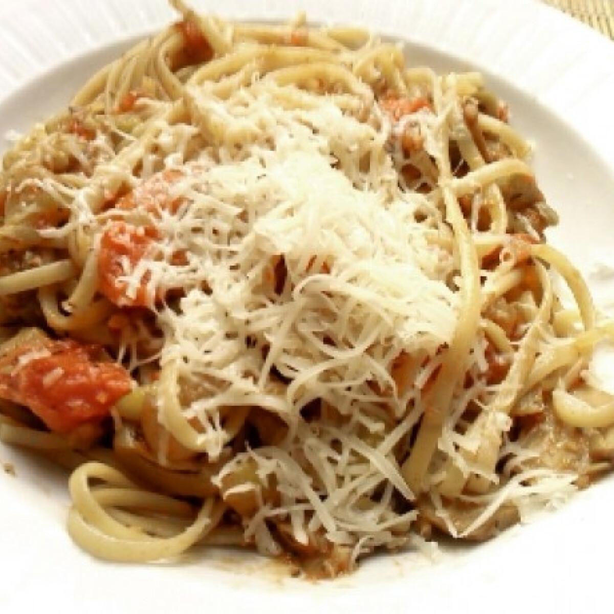 Ezen a képen: Cukkinis tészta olaszosan