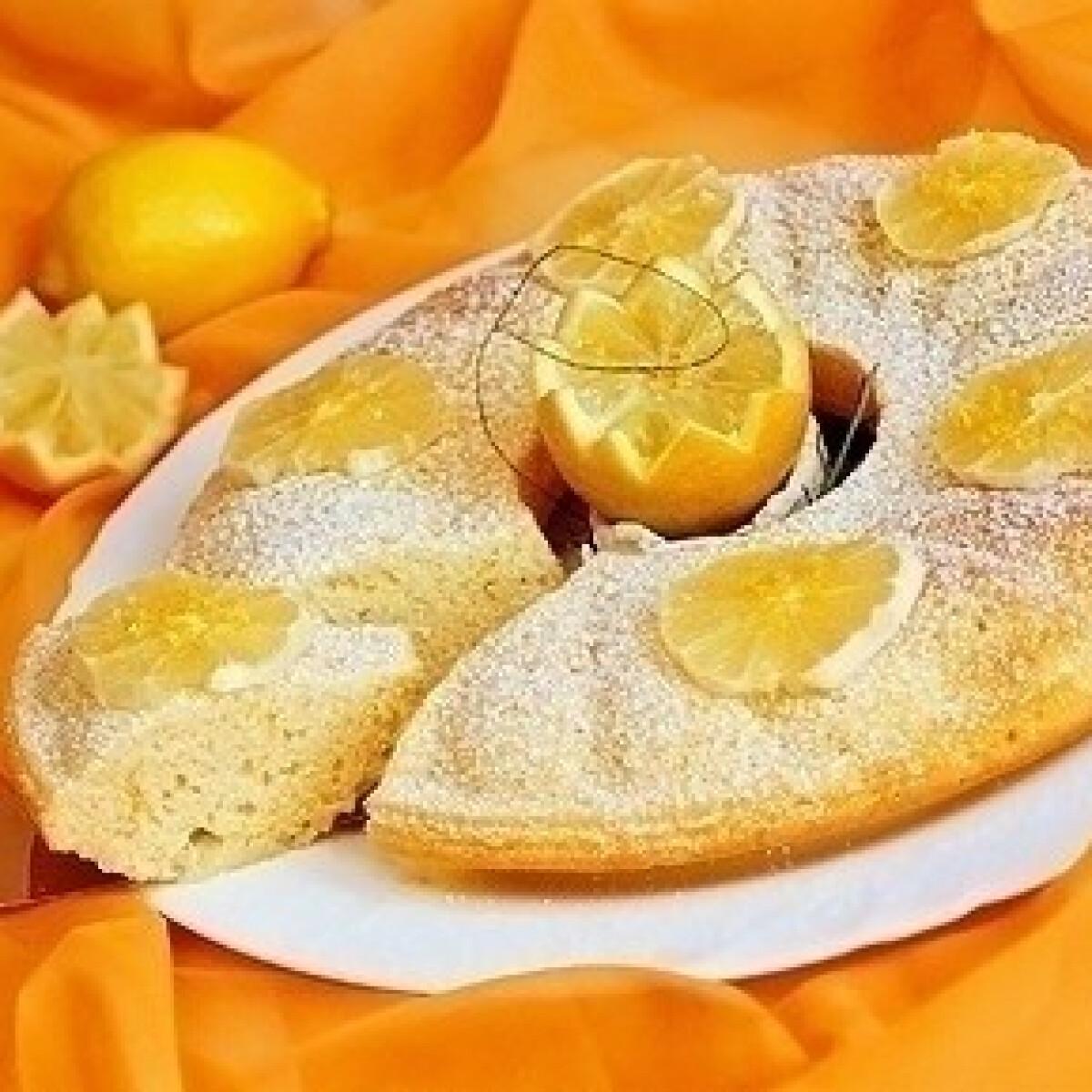 Ezen a képen: Könnyű citromos sütemény