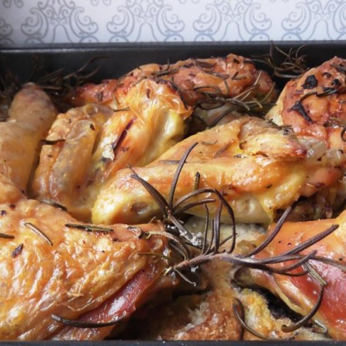 Ezen a képen: Sóágyon sült rozmaringos csirke
