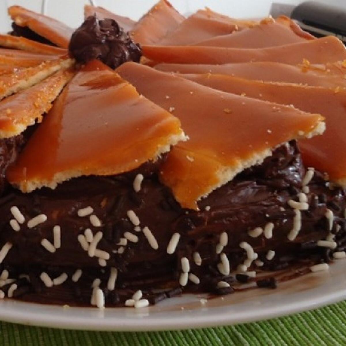 Ezen a képen: Dobos-torta Fruzsitól