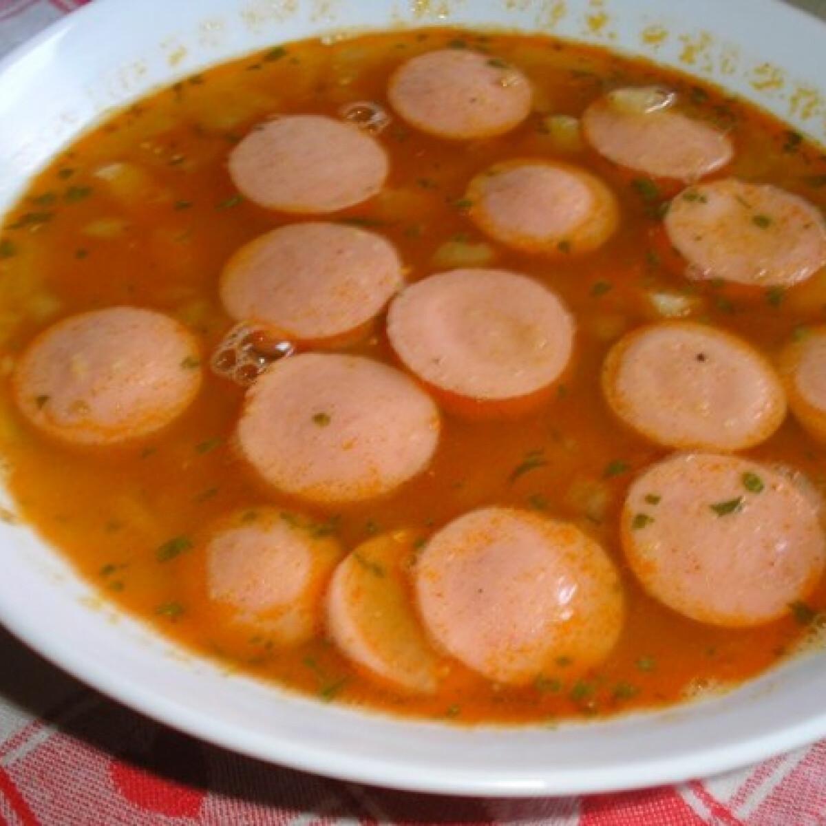 Ezen a képen: Sárgaborsópüré leves virslivel