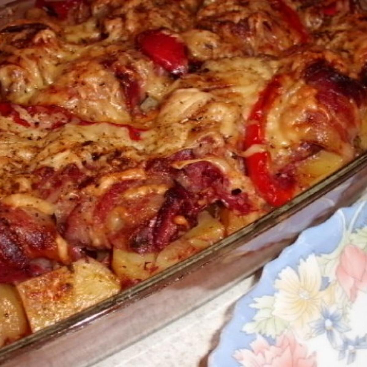 Ezen a képen: Sajtos-baconös csirkemáj krumplival