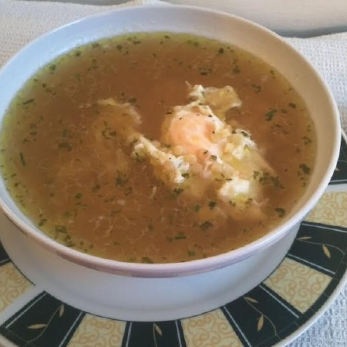 Gyors tojásos-tarhonyás leves