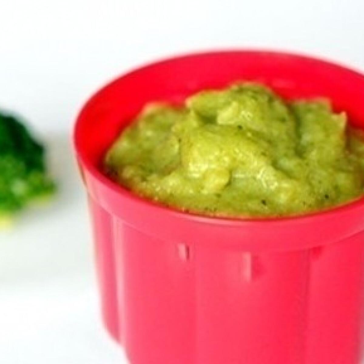 Ezen a képen: Brokkolis krumplipüré babáknak