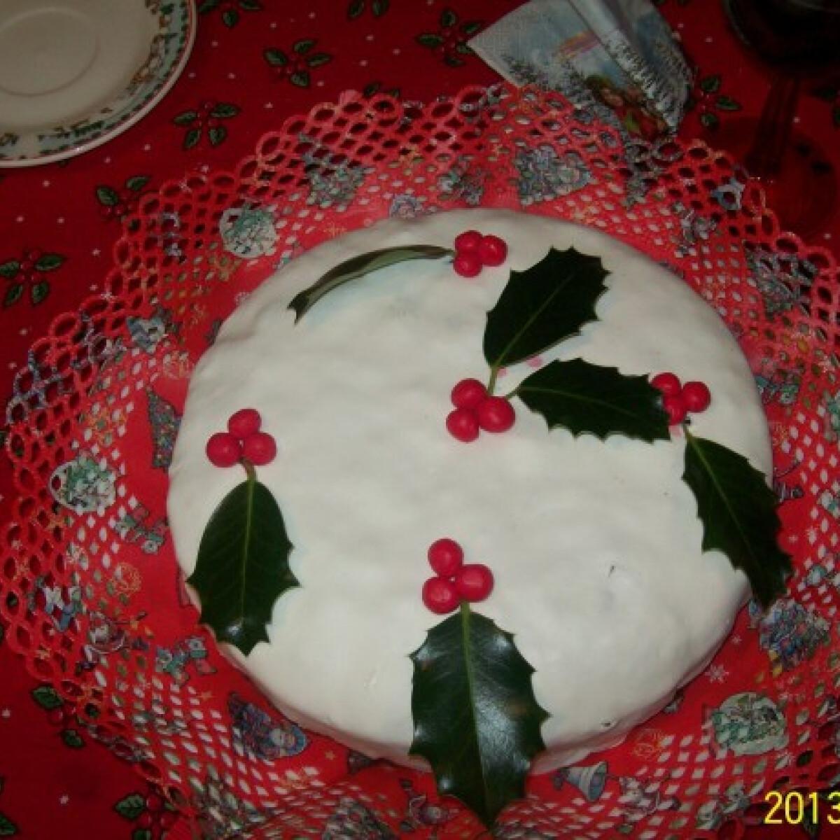 Ezen a képen: Angol karácsonyi torta