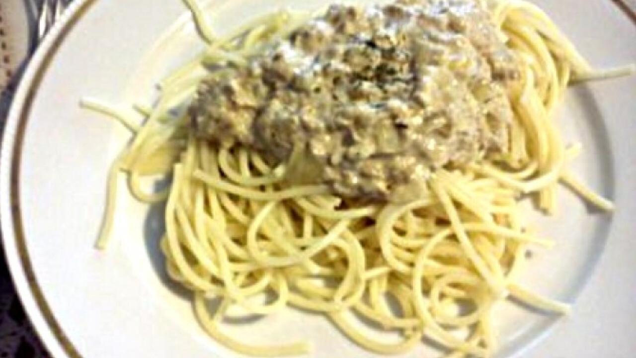 Hagymás-tonhalas spagetti