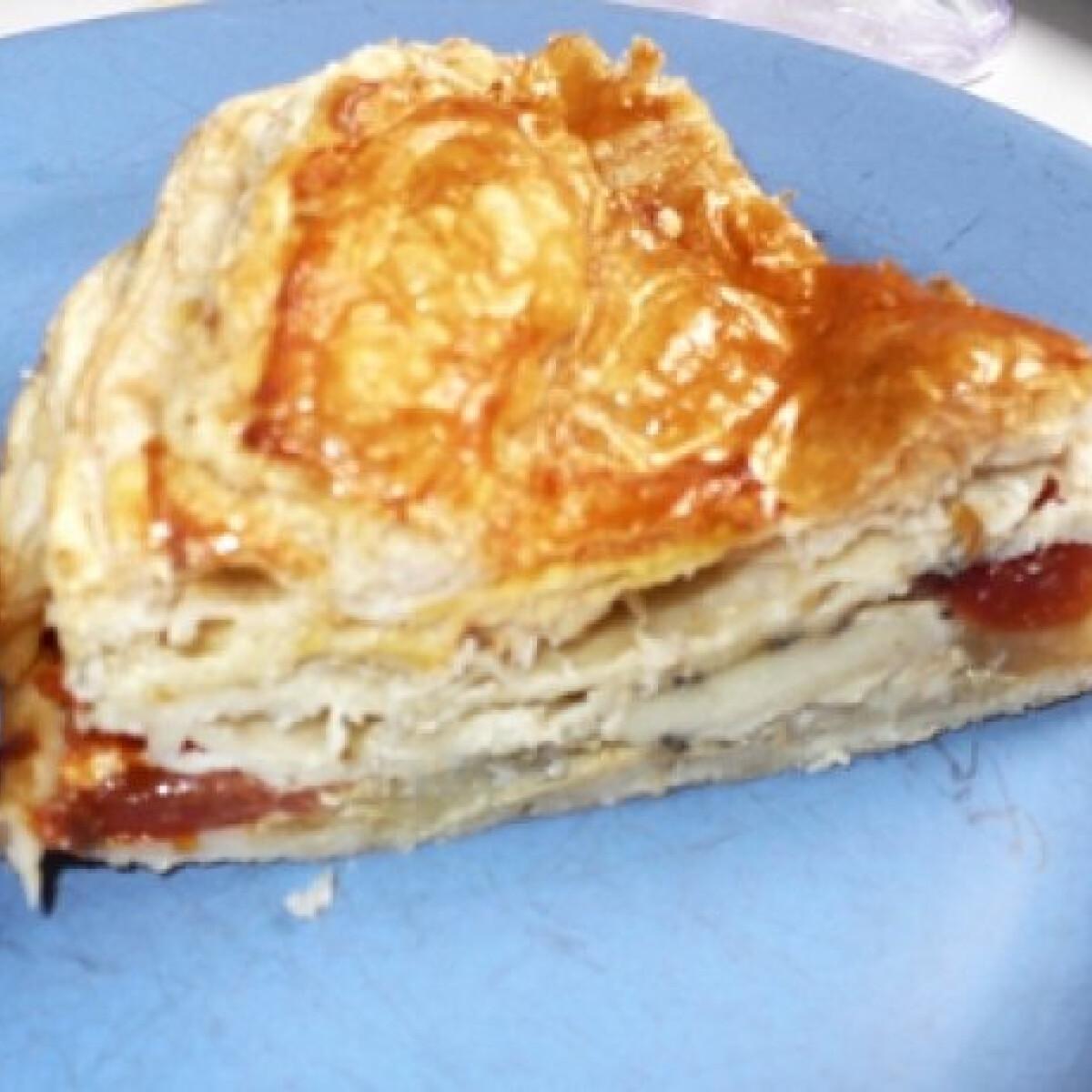 Ezen a képen: Camembert torta