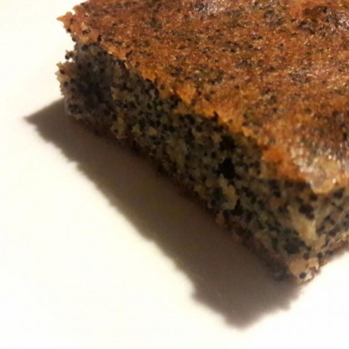 Ezen a képen: Mákos bögrés süti xilittel