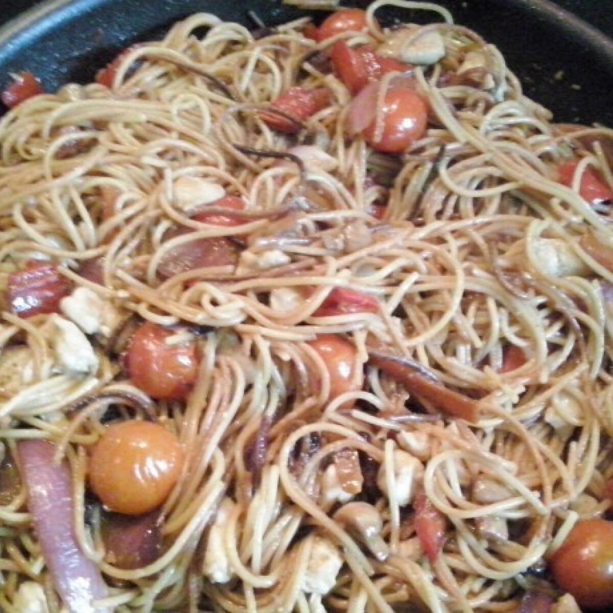 """""""Kínai"""" pirított tészta"""