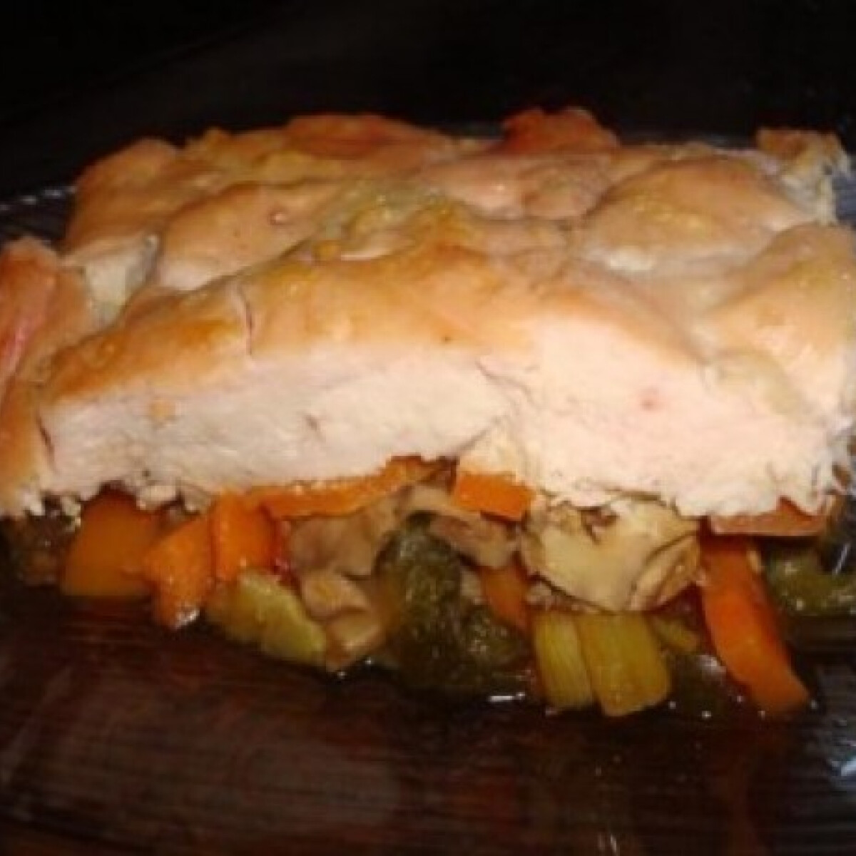 Ezen a képen: Fokhagymás csirke currys sült zöldséggel