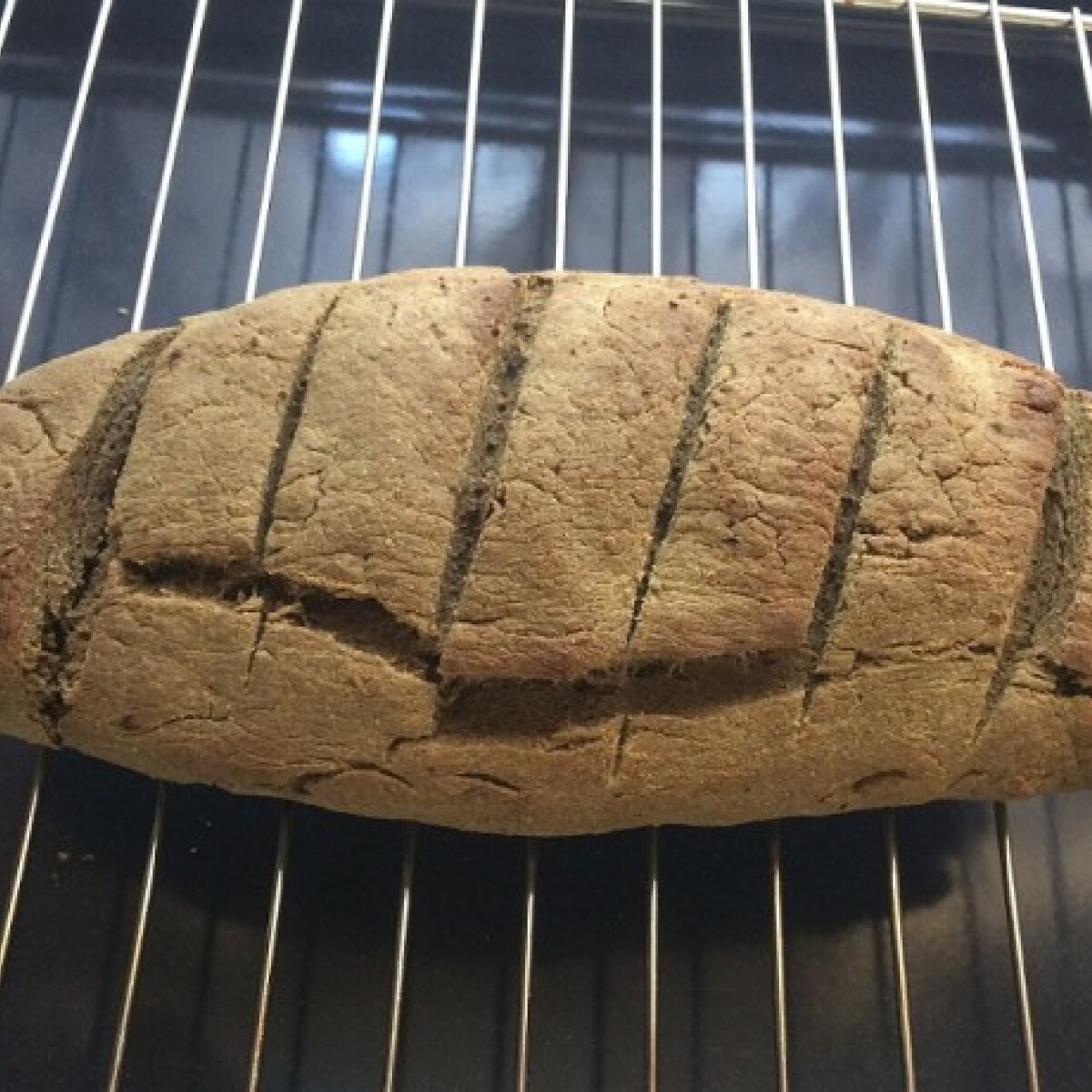 Ezen a képen: Tökmaglisztes paleo kenyér