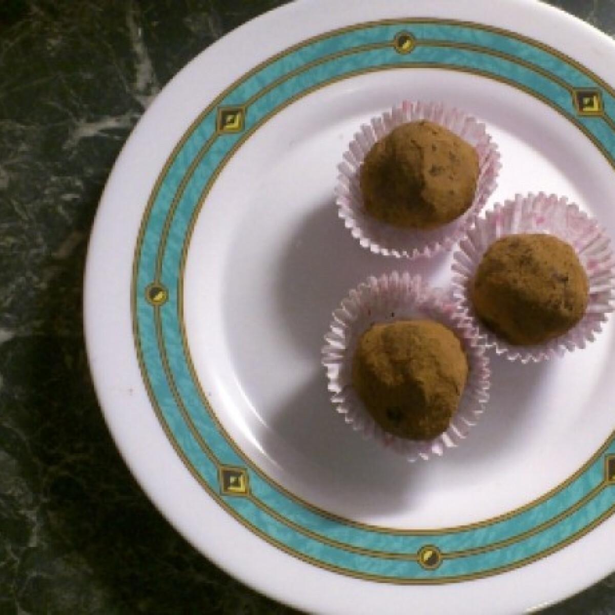 Ezen a képen: Hamis marcipángolyók Tomatotree konyhájából