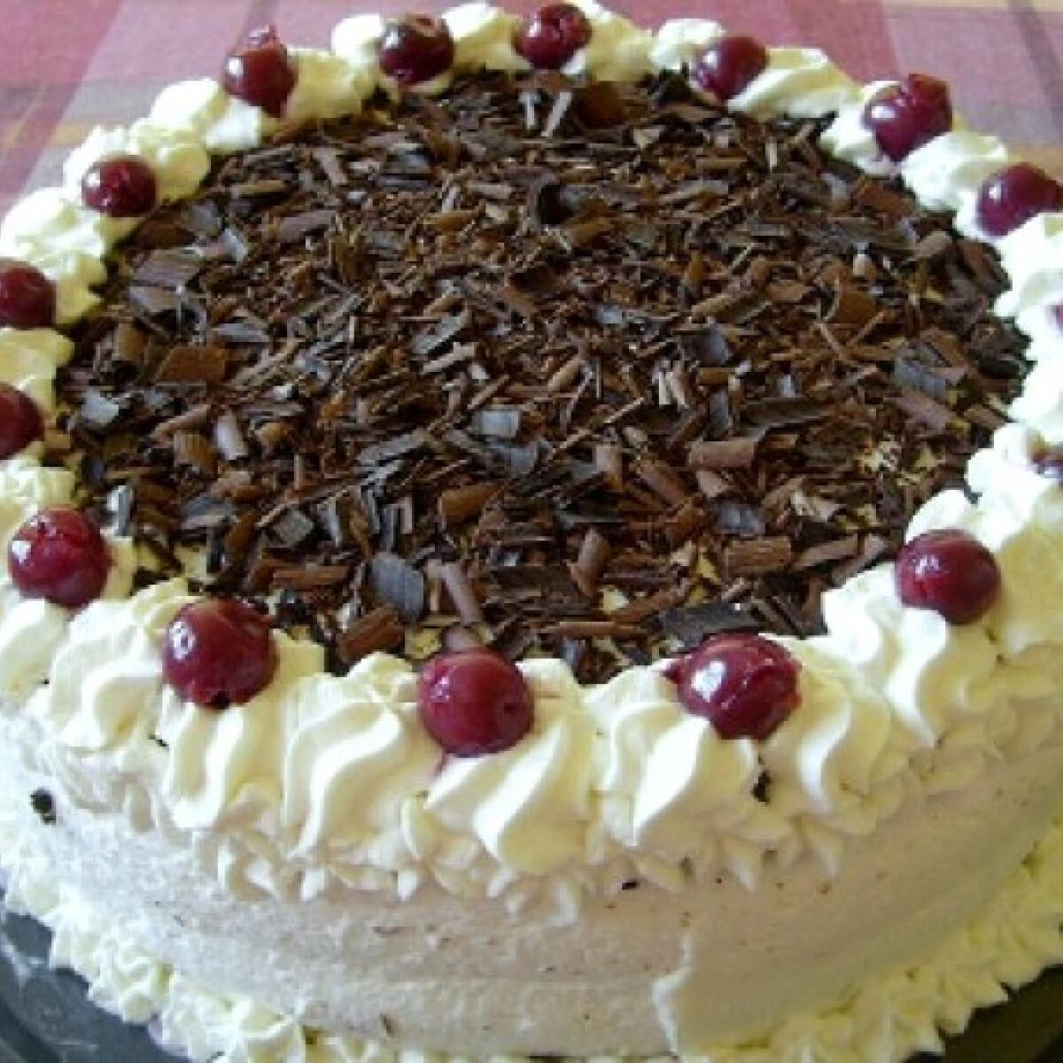 Ezen a képen: Feketeerdő torta Suzie Babától