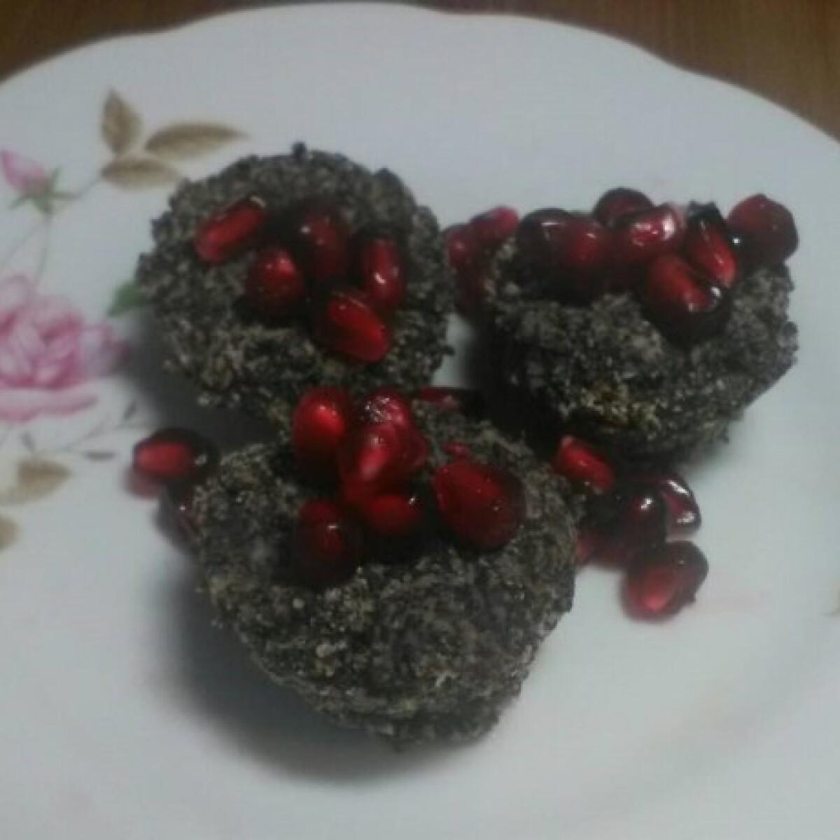 Ezen a képen: Tojásmentes mákos mini muffin