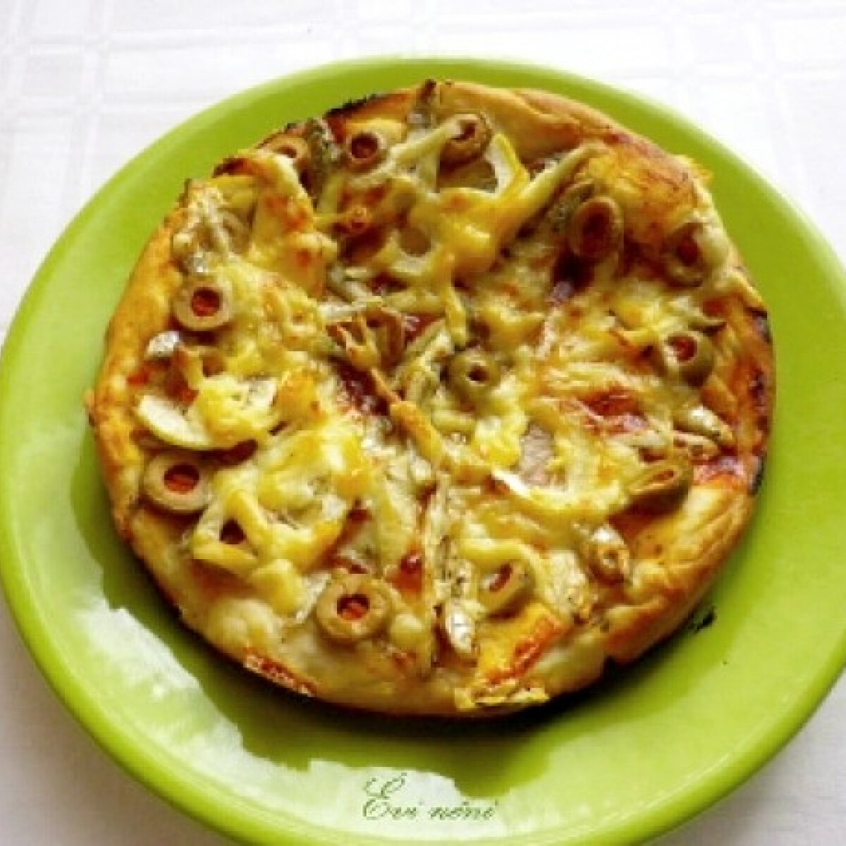 Szardíniás-citromos pizza