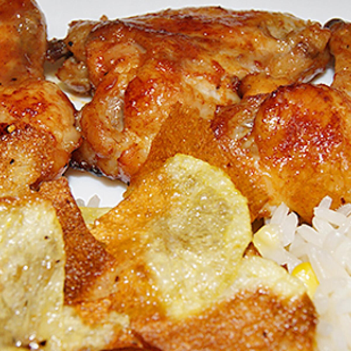 Pikáns csirkeszárnyak burgonyával és rizzsel