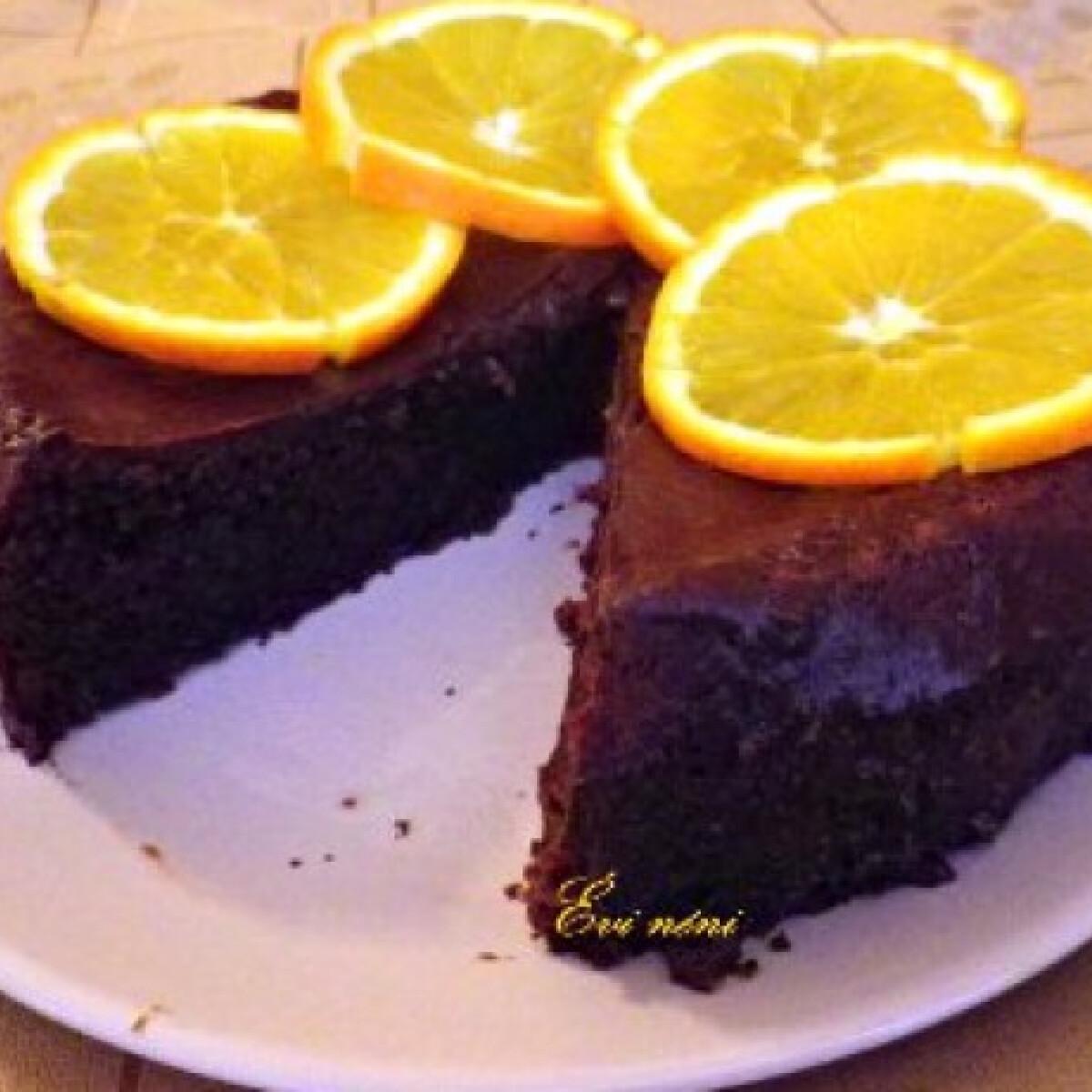 Ezen a képen: Narancsos csokoládétorta liszt nélkül
