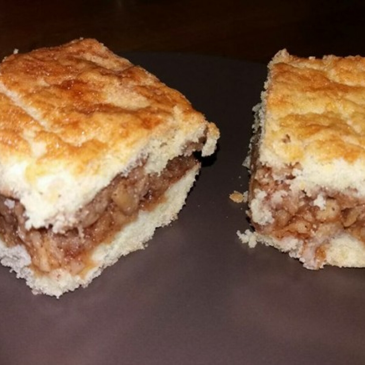Ezen a képen: Glutén- és laktózmentes almás pite