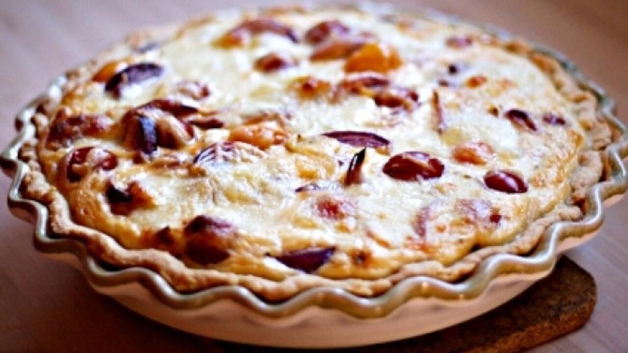 Mozzarellás-paradicsomos pite