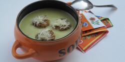 Zöldspárgakrémleves Katharosz konyhájából