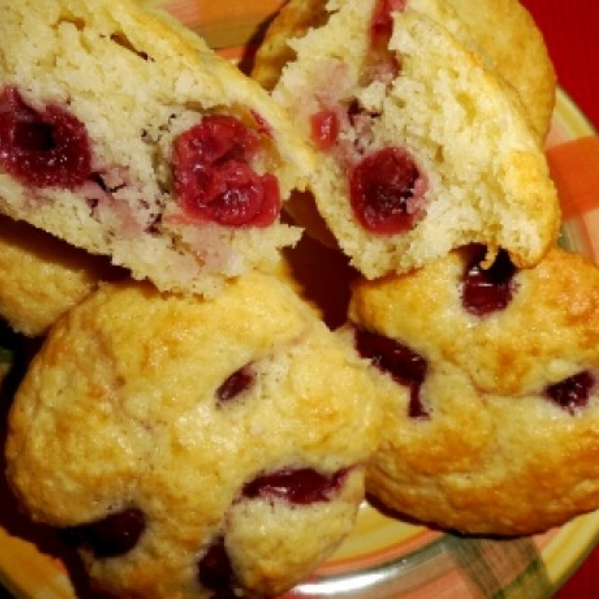 Kókuszos-meggyes muffin