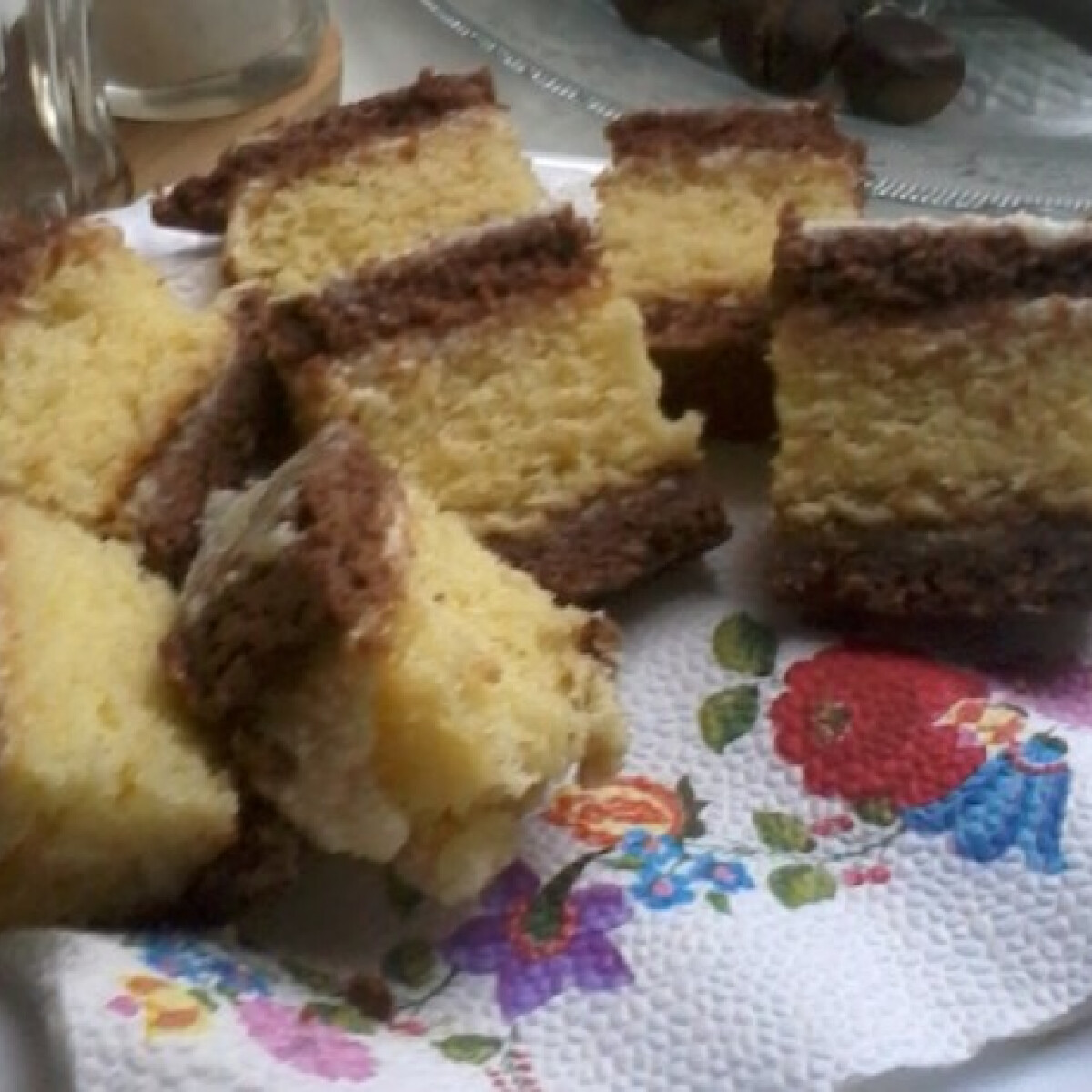 Ezen a képen: Peregi sütemény