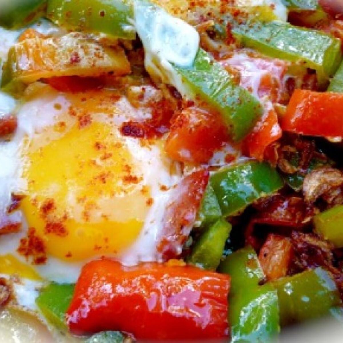 Gyors kolbászos-tojásos lecsó