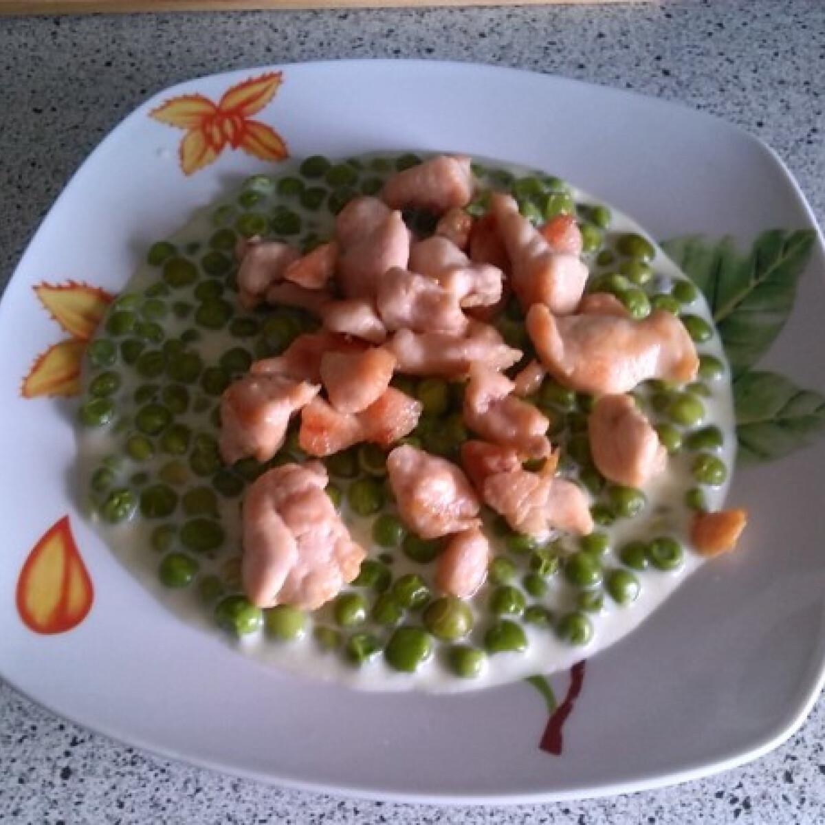 Ezen a képen: Zöldborsófőzelék Bernadett konyhájából
