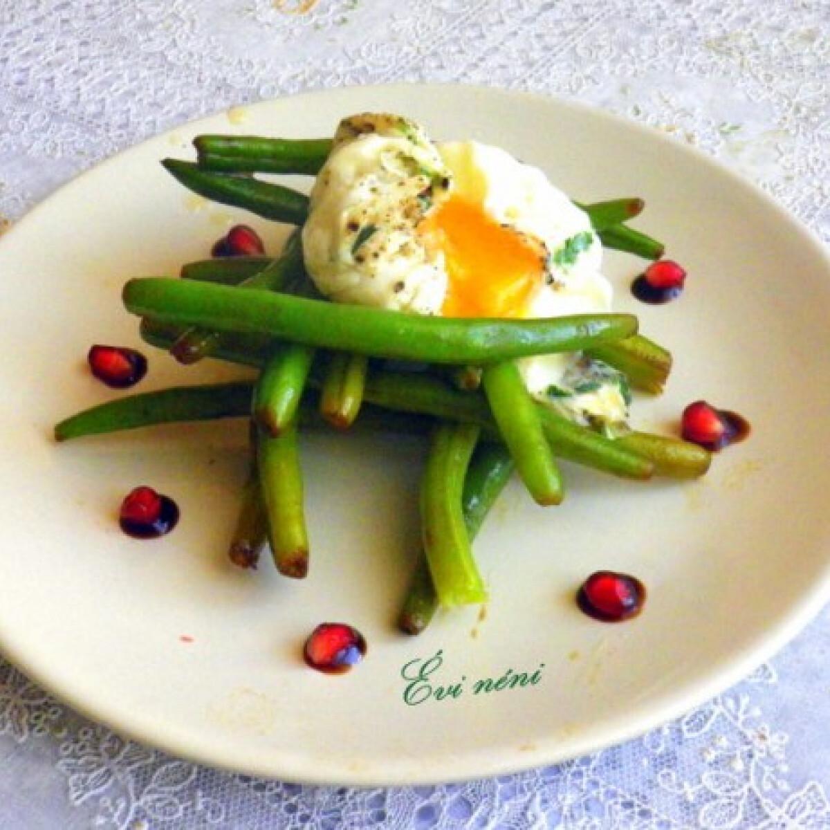 Ezen a képen: Zöldbab fűszeres lágytojással