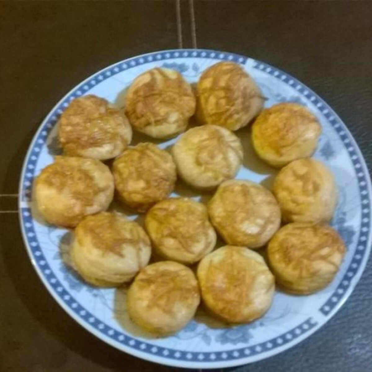Ezen a képen: Leveles sajtos pogácsa