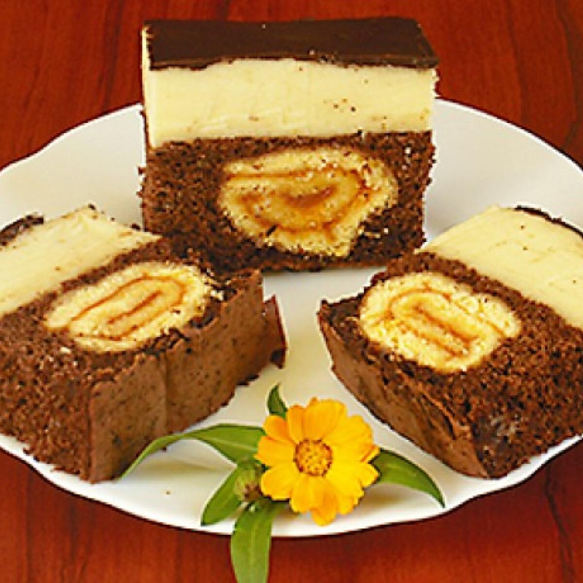Ezen a képen: Roládos diós-csokis szelet