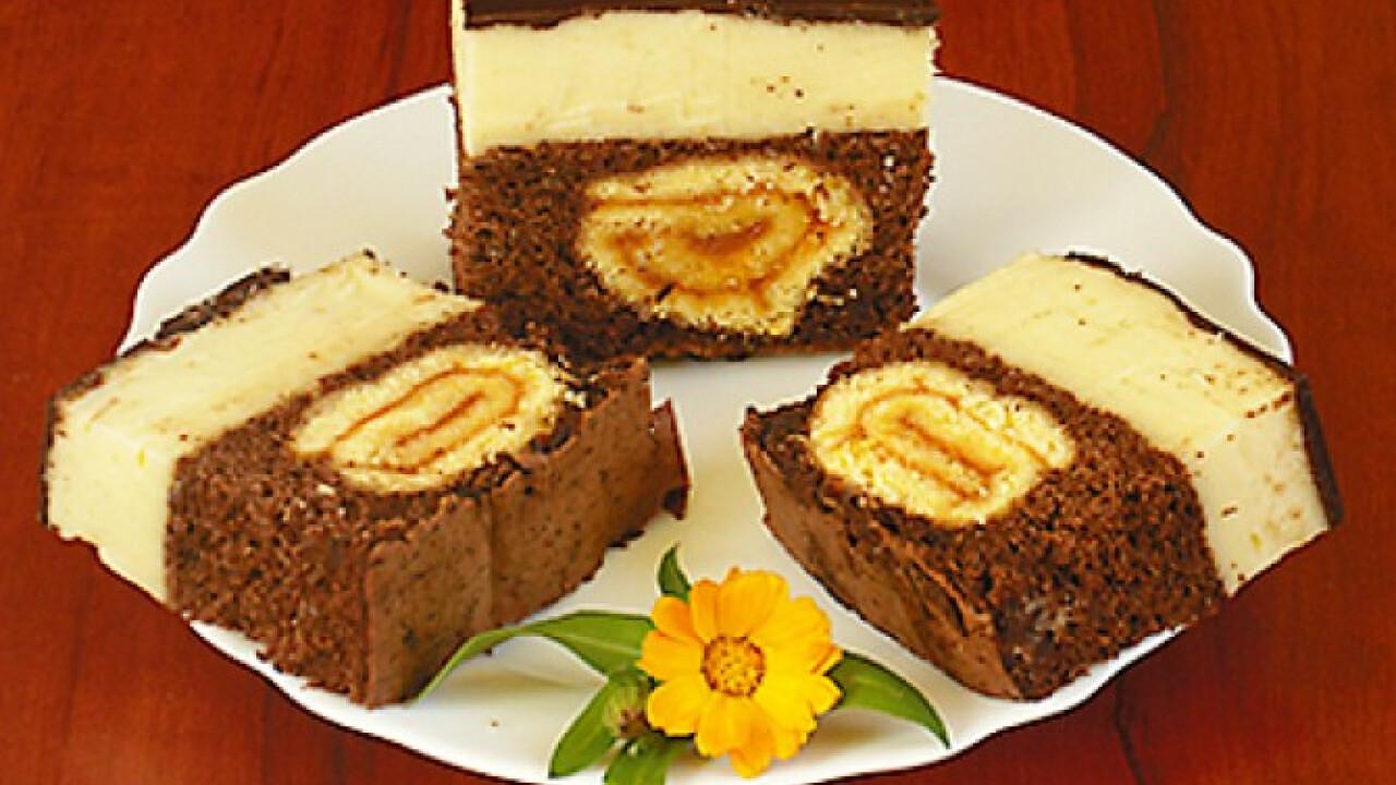 Roládos diós-csokis szelet
