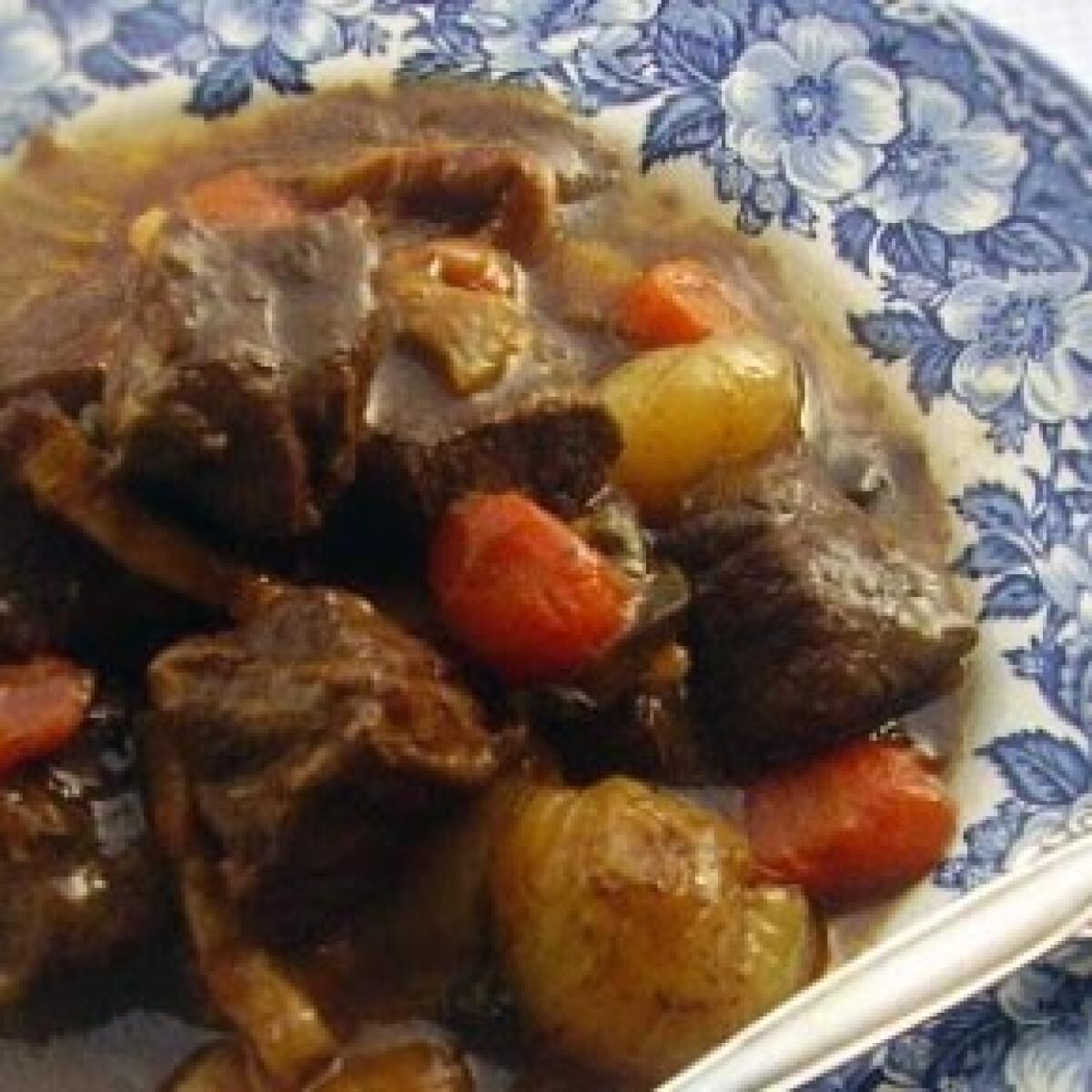 Ezen a képen: Vörösboros marhahús