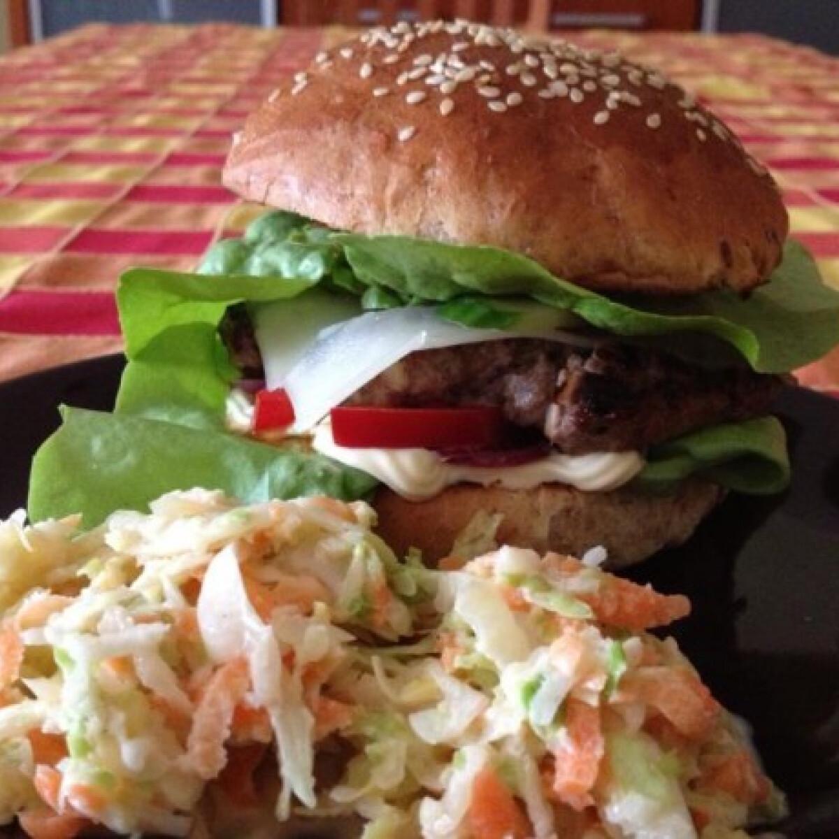 Ezen a képen: Házi hamburger NovakAndi konyhájából