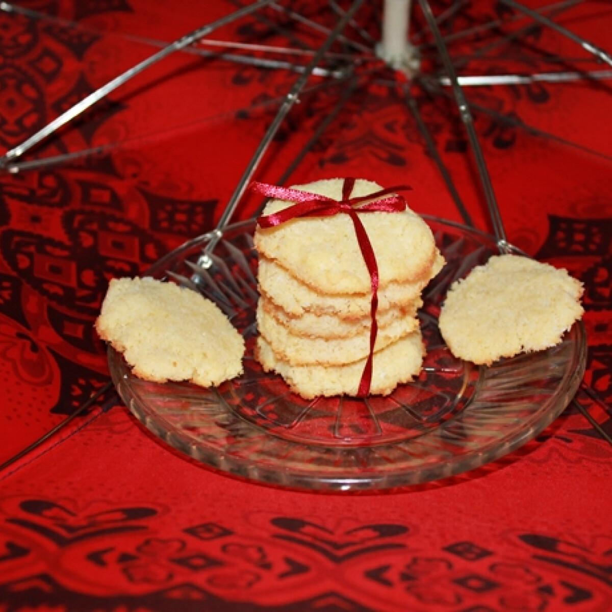 Ezen a képen: Diétás kókusztallérok büntetlenül