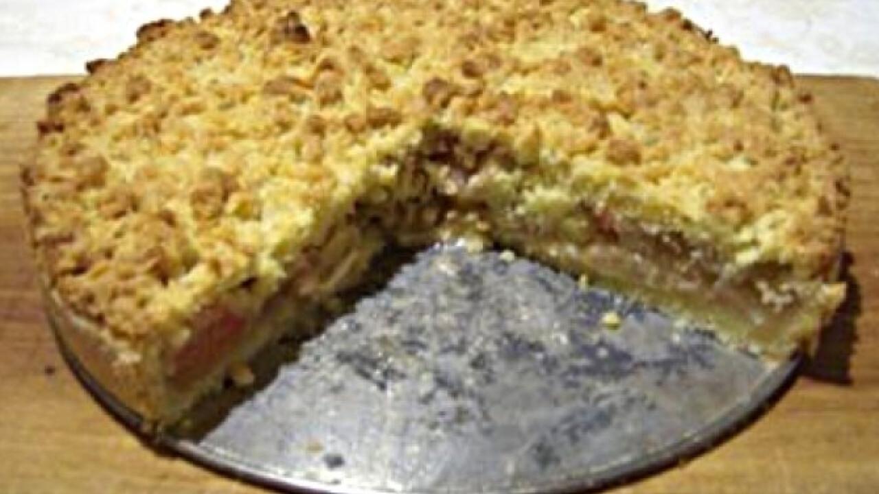 Rebarbarás-reszelt tésztás pite